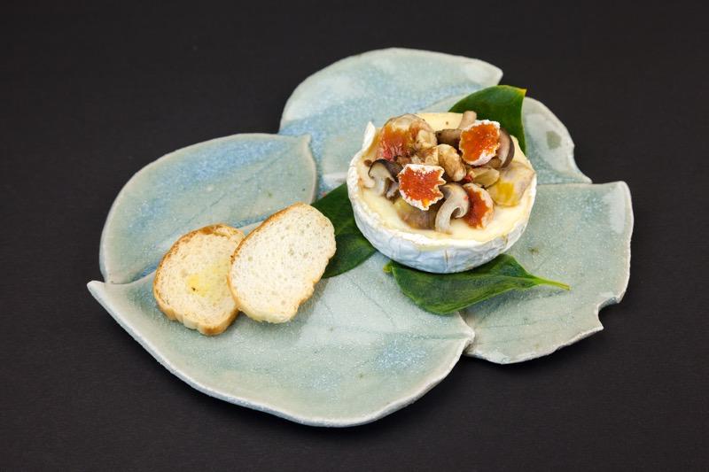 カマンベールチーズと市田柿のオーブン焼き